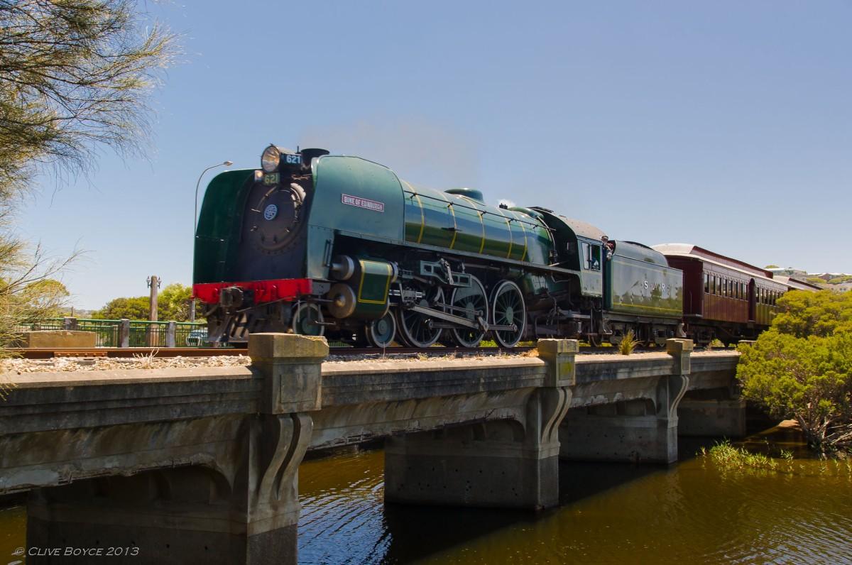 621 Duke of Edinburgh crossing Hindmarsh River at Victor Harbor