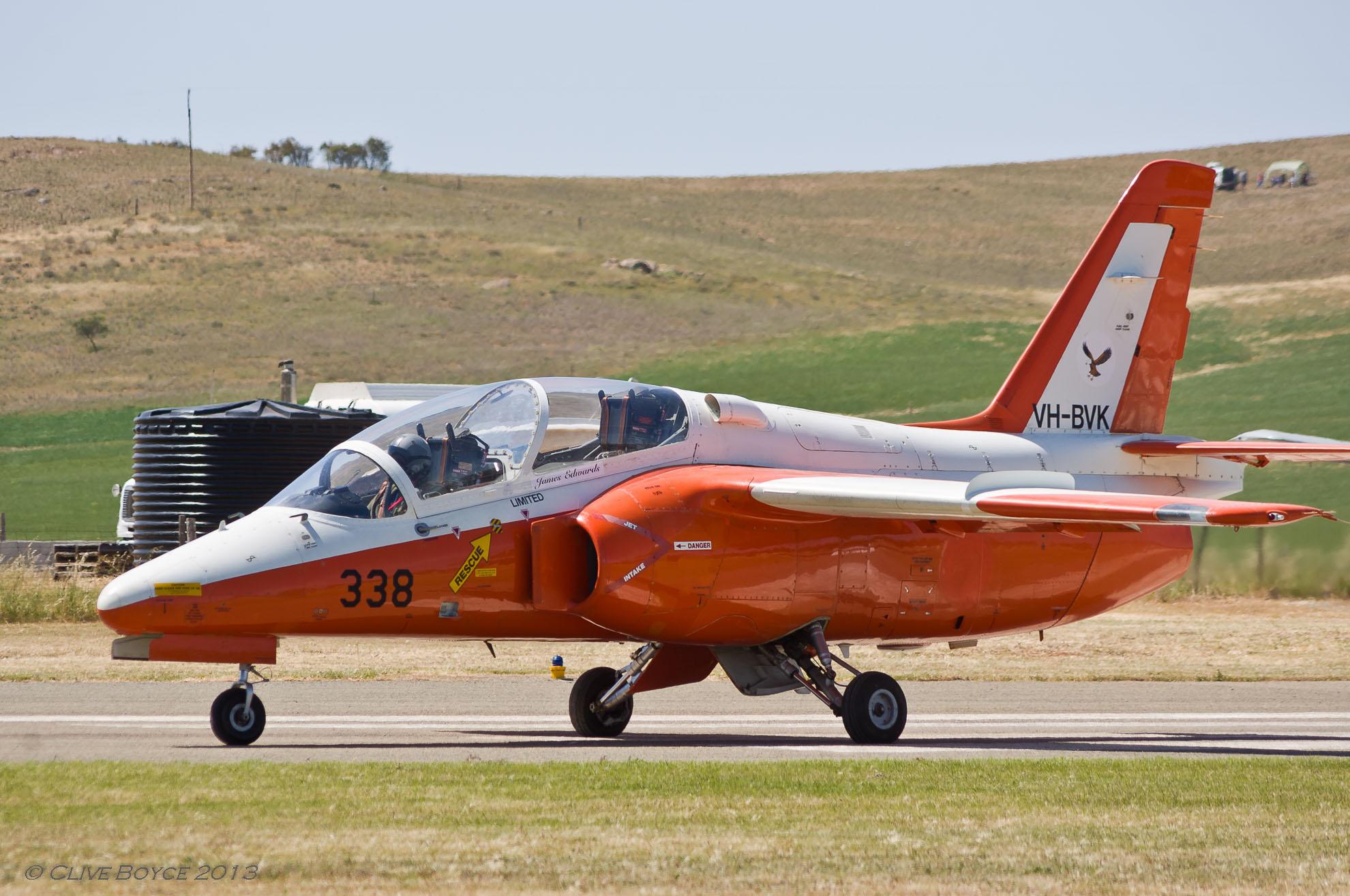 Jamestown_Air_Spectacular SIA_Marchetti_S-211