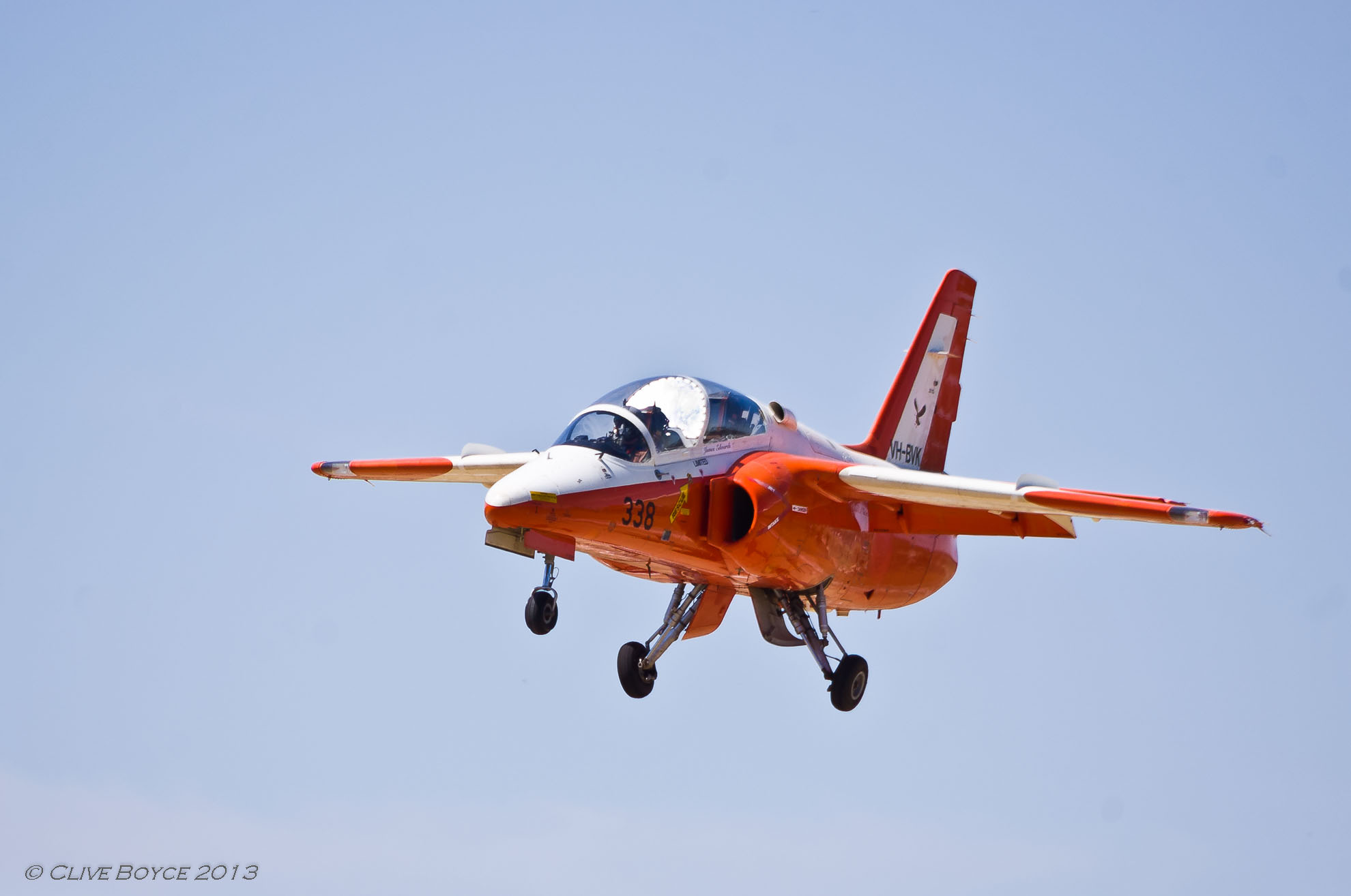 Jamestown_Air_Spectacular SIA_Marchetti_S-211